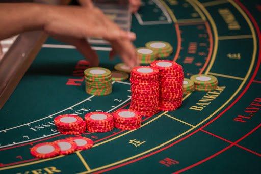 Online Baccarat Casino Game